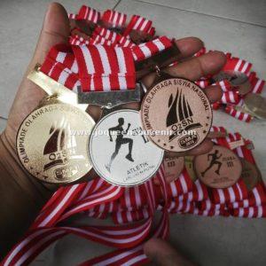 sedia medali produksi medali